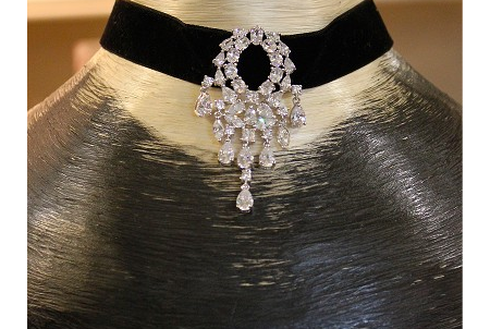Choker necklace, £39.95, 12'' - 15'&#3